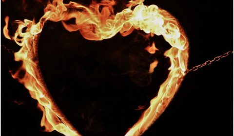 Feuershow Hochzeit brennendes Herz